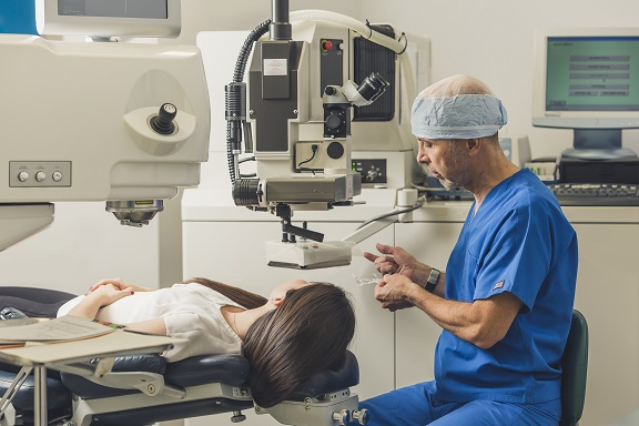 Michel Pop - Laser eye surgery correction
